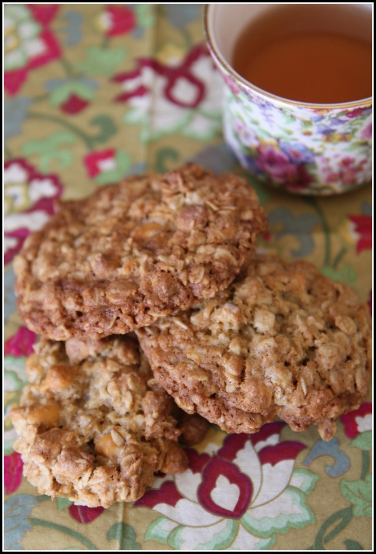 Oatmeal Cookies and Tea with Border Color