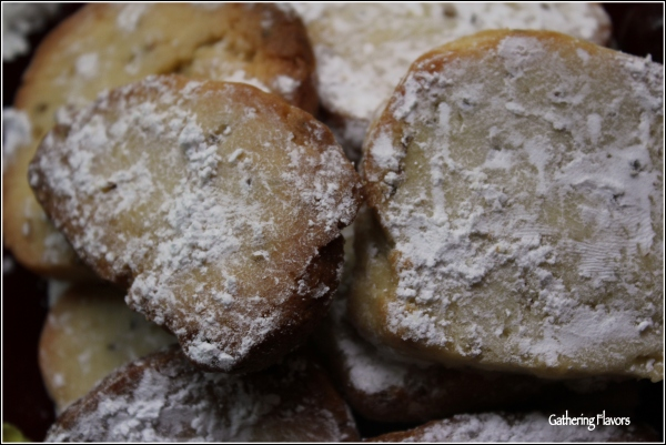Shortbreads Up Close by Dena T Bray