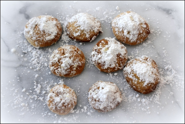 Holiday Snowball Cookies by Dena T Bray Ⓒ