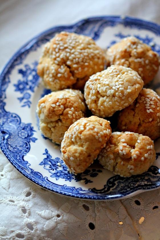 Italian Sesame Cookie Bites